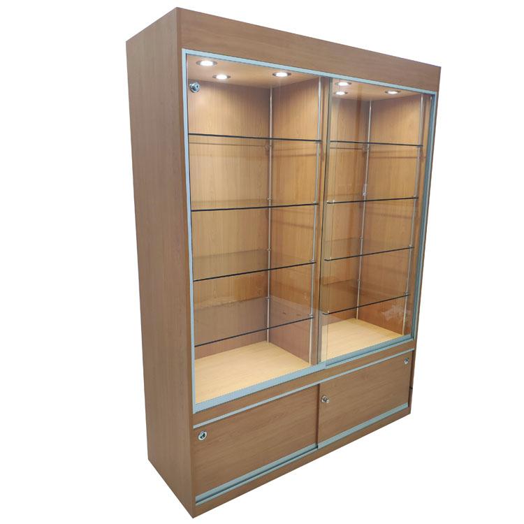 https://www.oyeshowcases.com/glass-display-case-with-lightslockable-sliding-doors-oye-product/